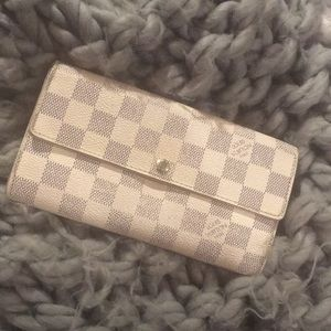 LV damier azur wallet